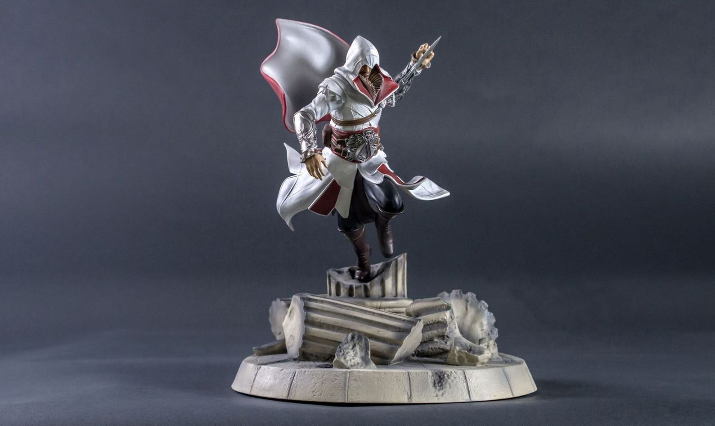 Ezio S Fury Tsume Art Vos Statues De Collection